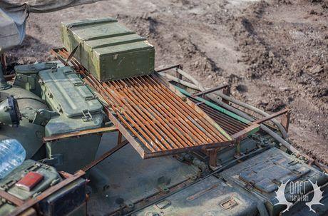 Bat ngo dan tang T-72B1 cua dan quan mien Dong Ukraine - Anh 6