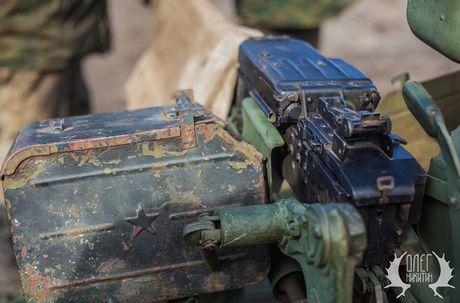Bat ngo dan tang T-72B1 cua dan quan mien Dong Ukraine - Anh 7