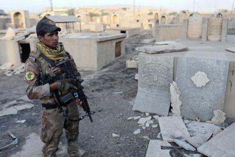 Soi nha tho o dong Mosul bi phien quan IS tan pha - Anh 3
