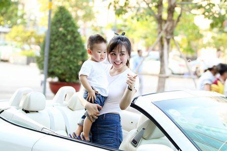 Nhung 'xe hop' hang sang, tien ty cua ca sy Vy Oanh - Anh 10