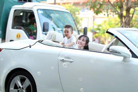 Nhung 'xe hop' hang sang, tien ty cua ca sy Vy Oanh - Anh 9