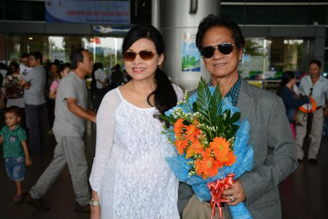 Che Linh dua vo tre ve VN chuan bi cho liveshow tai HN - Anh 1