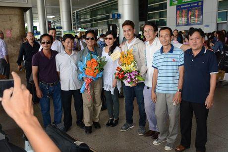 Che Linh dua vo tre ve VN chuan bi cho liveshow tai HN - Anh 5