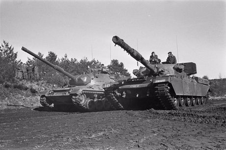 Ly do sieu tang Chieftain Anh tham bai truoc Leopard 1 Duc - Anh 1