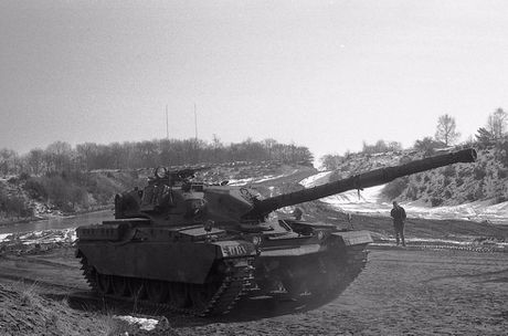 Ly do sieu tang Chieftain Anh tham bai truoc Leopard 1 Duc - Anh 4
