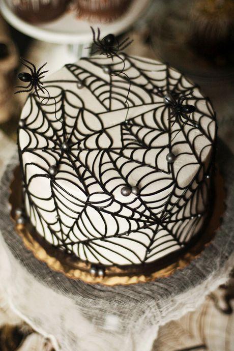 Son gai oc nhung chiec banh mang nhen kinh di ngay Halloween - Anh 1