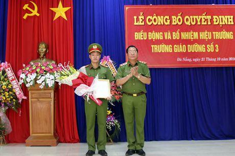 Bo nhiem Trung ta Nguyen Anh Huu lam Hieu truong Truong Giao duong So 3 - Anh 1