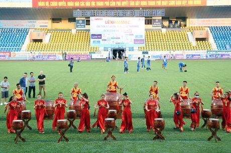 Nguoi Quang Ninh hao hung chao don giai U.21 Bao Thanh Nien - Anh 12
