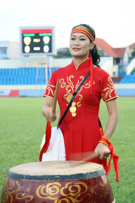 Nguoi Quang Ninh hao hung chao don giai U.21 Bao Thanh Nien - Anh 13