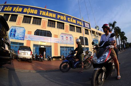 Nguoi Quang Ninh hao hung chao don giai U.21 Bao Thanh Nien - Anh 2