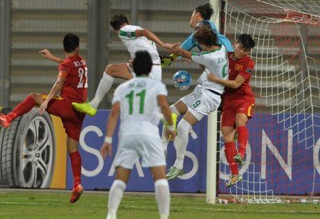Nhung giay phut khien co dong vien U19 Viet Nam thot tim truoc Iraq - Anh 1