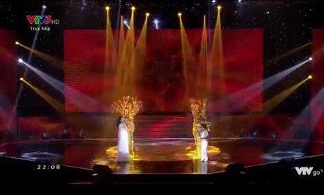 Giong hat Viet nhi 2016 liveshow 6: Thuy Binh gay choang khi hat rock - Anh 15