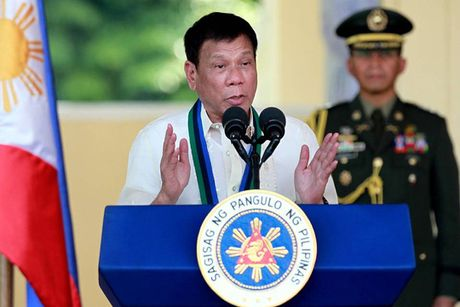 Ong Duterte: Cat quan he voi My, nguoi Philippines o My se giet toi - Anh 1