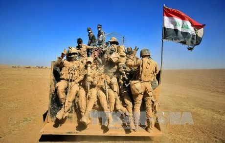 Quan doi Iraq gianh lai thi tran gan Mosul - Anh 1
