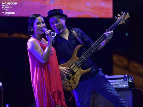 Monsoon Music Festival da 'ruc chay' trong dem dau tien - Anh 5