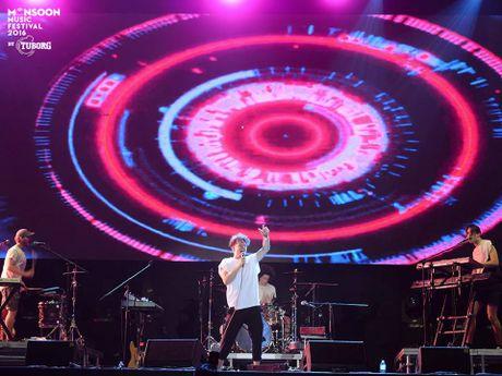 Monsoon Music Festival da 'ruc chay' trong dem dau tien - Anh 9
