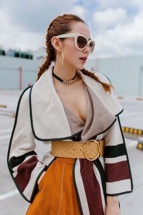 Minh Hang but pha gioi han voi MV nu quyen - Anh 1