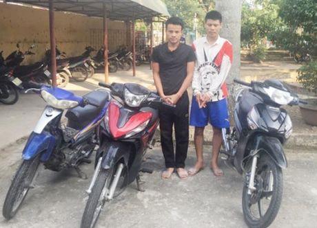 Bat giu cac doi tuong chuyen trom cap xe may - Anh 1