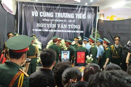 Hang nghin nguoi don thi the thuong uy Nguyen Van Tung tro ve - Anh 2