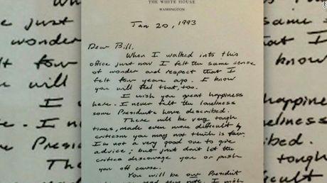 Dieu gi dac biet trong la thu George H.W. Bush gui Bill Clinton? - Anh 1