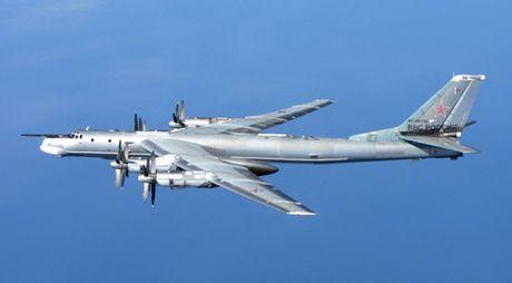 Uy luc cua may bay nem bom Tu-95MS Nga - Anh 2