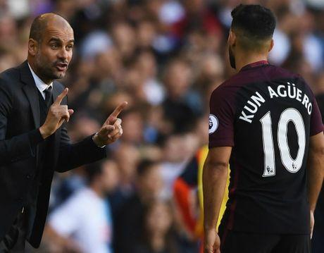 Man City lao doc, HLV Guardiola van 'ruong ray' Aguero - Anh 1