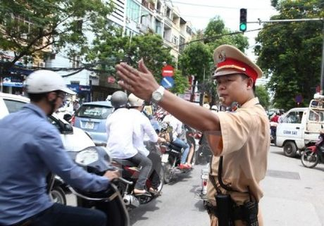 Phan luong giao thong tai Ha Noi phuc vu Hoi nghi cap cao 4 nuoc tieu vung song Me Cong - Anh 1
