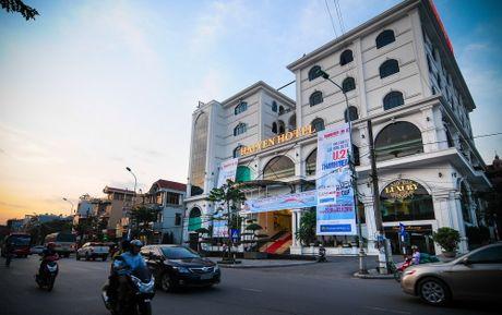 TP.Cam Pha nong truoc gio khai cuoc - Anh 2