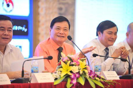 Nha bao Nguyen Cong Khe: 'Giai U.21 luon duoc hoan nghenh o moi noi' - Anh 2
