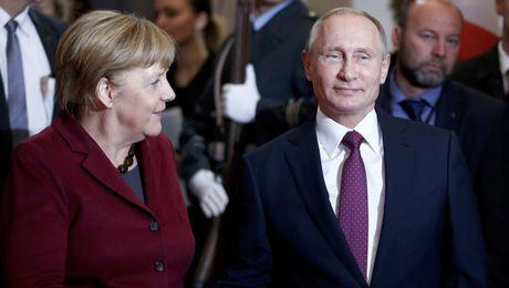 'Chau Au boi roi truoc ong Putin' trong chien truong Syria - Anh 1