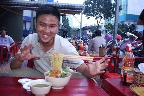 Hao hung voi mon 'mi bay' vua cap ben Sai Gon - Anh 2
