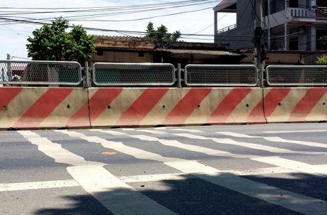 Khac phuc hu hong gay mat ATGT tren tuyen QL1, tinh Ninh Binh - Anh 1