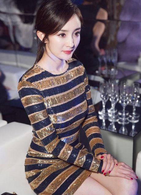 Cung dien dam sequin, Duong Mich khong kem canh 'my nhan Tan Cuong' Co Luc Na Trat - Anh 12
