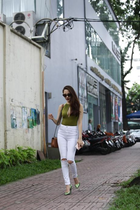 Bao Anh xe nguc sexy tap nhac, khong moi Ho Quang Hieu hat trong minishow - Anh 1