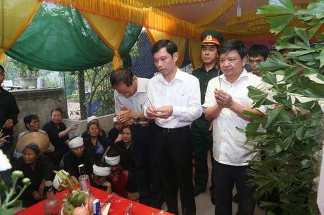 Ha Nam: Roi nuoc mat tien dua nguoi linh phi cong ve coi vinh hang - Anh 10