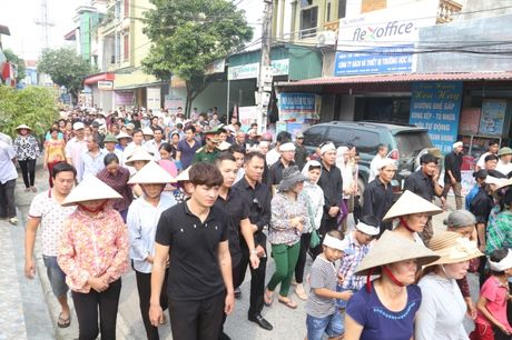 Ha Nam: Roi nuoc mat tien dua nguoi linh phi cong ve coi vinh hang - Anh 5