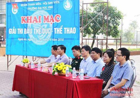 Dai hoc Vinh: 'Khoe de xay dung, bao ve To quoc' - Anh 1