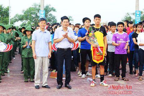 Dai hoc Vinh: 'Khoe de xay dung, bao ve To quoc' - Anh 3