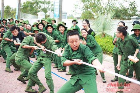Dai hoc Vinh: 'Khoe de xay dung, bao ve To quoc' - Anh 5