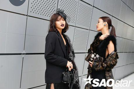 Lan Khue, Quynh Mai thu hut ong kinh nhiep anh voi street style all-black tai Seoul Fashion Week - Anh 3
