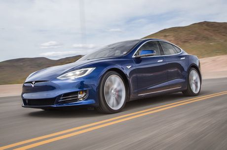 Tesla nang cong nghe tu lai len dang cap moi - Anh 1