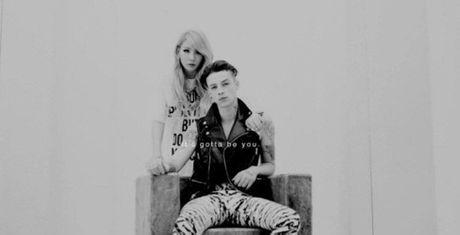 Truong nhom 2NE1 tung hen ho voi ban trai tin don cua con gai Johnny Depp? - Anh 2