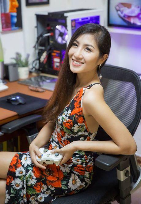 Ngam nu game thu Viet khoe 'eo thon dang ngoc' khong khac gi hotgirl ben dan may khung - Anh 7