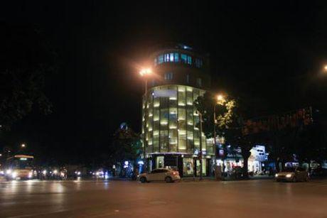 Ngoi nha 7 tang dat bac nhat Ha Noi cua Thuy Top - Anh 7