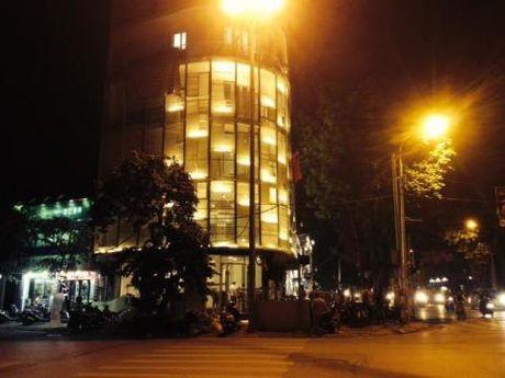 Ngoi nha 7 tang dat bac nhat Ha Noi cua Thuy Top - Anh 8