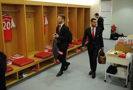 Arsenal vs Middlesbrough (0-0, HT): Cech lien tiep cuu thua - Anh 13