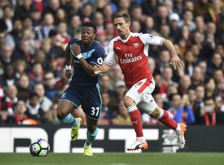 Arsenal vs Middlesbrough (0-0, HT): Cech lien tiep cuu thua - Anh 7