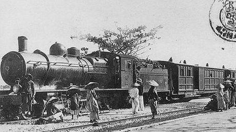 Sai Gon thuo phai 'cong' xe lua tren song - Anh 1