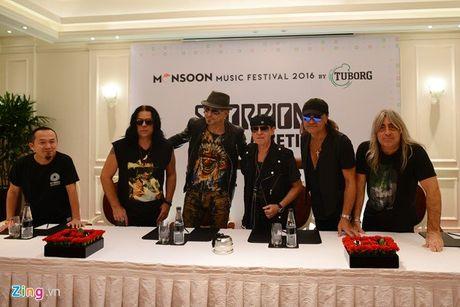 Ban nhac Scorpions huyen thoai nong long muon thu bia Viet Nam - Anh 1