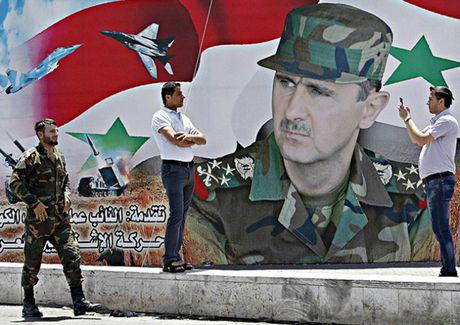 Muon dao khung bo lat do Tong thong Assad? - Anh 1